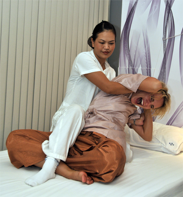 jinda thai massage phonthip thai