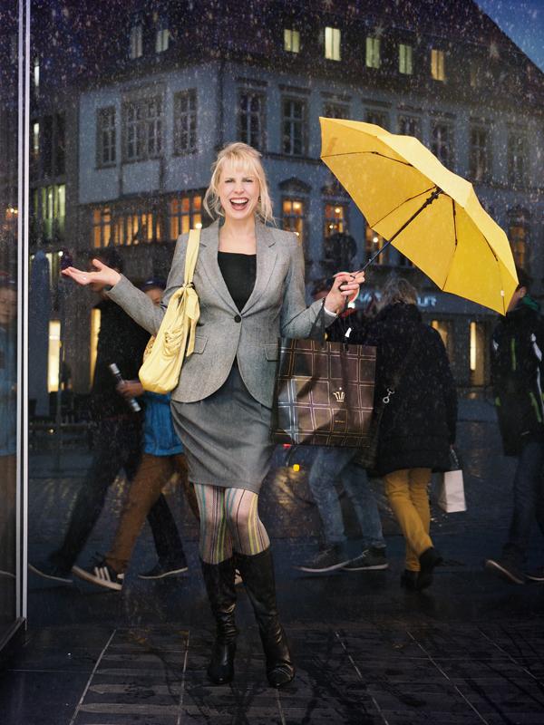 Elischeba is singing in the rain