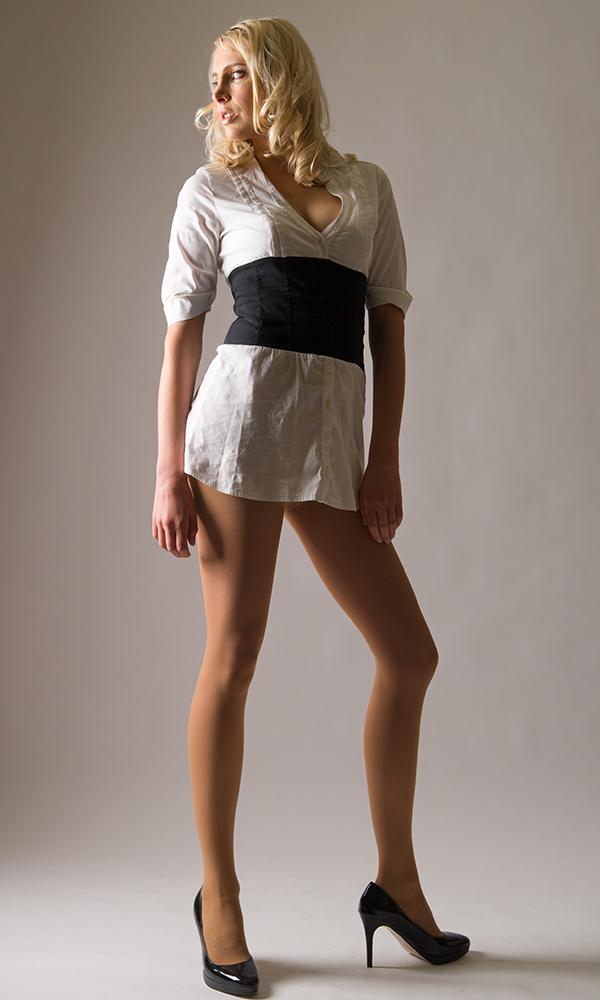 Elischeba in Nylon und Heels