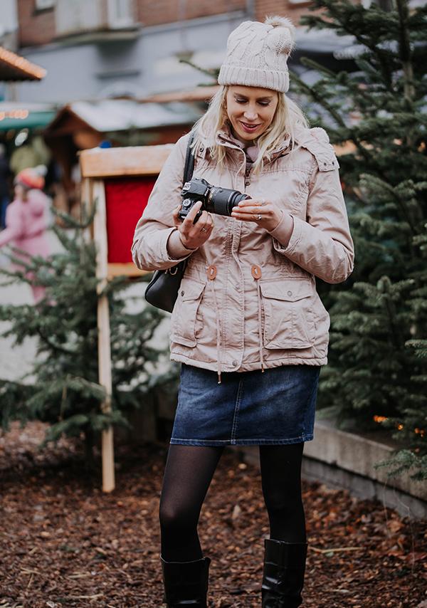Elischeba Model mit Kamera